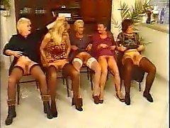 Tyska tanter har trevligt orgie av fdcrn