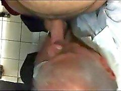 v2962 - della spia Public toilet - 21.2 - dieci minuti a
