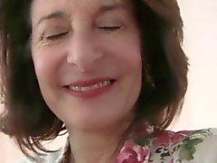 A avó necessidades orgasmo dela domingo