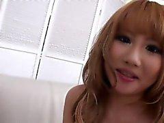 Belles filles japonaises donnant un peu de tête!