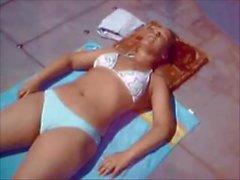 Donna Queen In Bikini