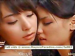 Maria e Yuka Osawa inocentes meninas asian lambendo e dedilhado