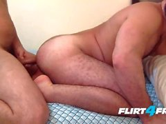 Angel & Max en Flirt4Free Guys - Sexy Latinos Bareback and Felch