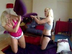 lezbiyen oyun güreş Sookie blues, kedi yalama frenleyici lanet