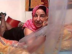 Arabische Granny R20