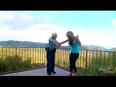 Diamond Foxxx & Lesbienne Nikki Sexx police