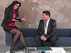 Busty babe extraordinaire de Phoenix Marie ramassage un gars