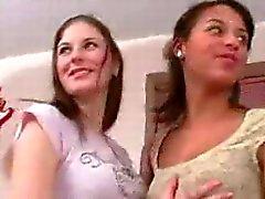 gangbang för tonåringar Adana och Alexa