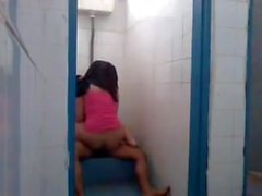 JIlbab Di WC