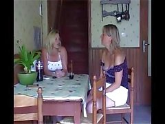 Middle-aged lesbian meets her old friend and invites her for fuck
