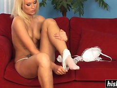 Kittie enjoys playing with her pussy