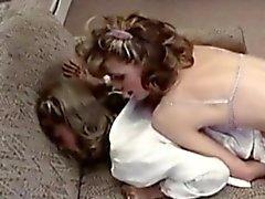 Первоклассные бюро Blonde трахает ее Коллега