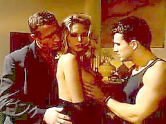 Sıcak MILF Anna Nova ve iki adam
