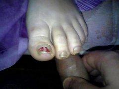 wife footjob cum on toes