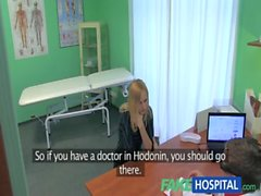 FakeHospital Snella Schizzi bionda calda sexy di desidera suggerimenti di protesi mammarie