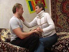 Russo matura MILF dà pompino