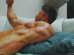 Heta bodybuilder James Lewis Flex