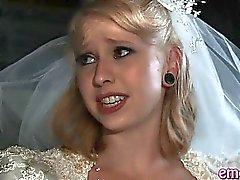 Blonden frau anal gefickt von einer schwarzen Kerl vor ihrer Ehe