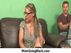 Huge nero carne Entrare in Cornea Mom 23