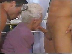 2 män och ett double penetration efter farmors