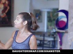 DaughterSwap - Teen Petite bonito fica fodido por Dad Ginasta