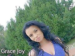 De grâce Joy apprécie culs á bouche des mesures