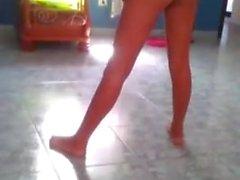 Spanish girl moviendo rico el culo en periscope
