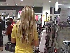 Blonde allemandes baisé du centre commercial