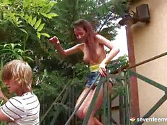 Guy Fucks his girlfriend on the roof of a hou