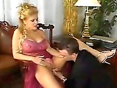 Busty blonde MILF Taking A großen Hahn