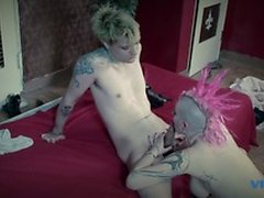 Hot punk girl with lots of tattoos loves getting drilled doggy style in her cunt