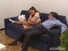 Teen bringar en äldre man hemmet efter lite roligt