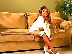 Busty kinky babe spreads her sexy legs