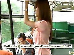 Miho Maeshima Китайская девушка приобретает груз Кончи на нее очки