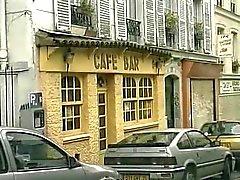 varm dubbel penetration i en fransk cafe