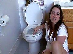 Lamen la princesa atractiva de del inodoro limpio , la humillación verbal