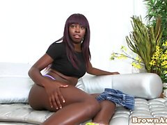 Twerking ebony gets fucked after cockriding