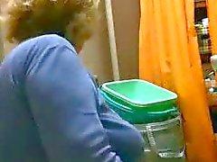 mia suocera in bagno