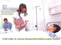 Akiho Yoshizawa de idol69 vilain une infirmière asien aime faire des fellation