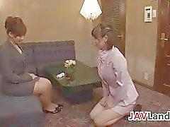 Японских Housewives являются лесбиянками