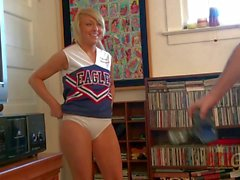 Cheerleader Vallerie White with bald pussy gets nude