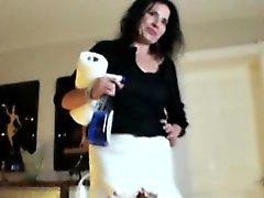 Mature handjob milf stops cleaning to jerk