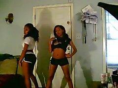 Dos adolescentes Negras no treinamento