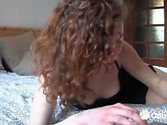Curly teen babe fingeirng hard on webcam