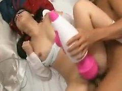 Slutty japonaise babe avec des tresses obtient battu rugueuse et f