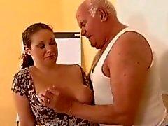 Gravid - Morfar Mireck och gravid Slampa