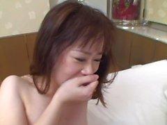 Aasian tyttöjen nussii kaksi miestä !!