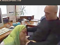 Hijab girl faps on webcam 4