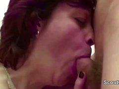 Step-Mom Seduce Junge Boy To Fuck Wenn nichts Besonderes