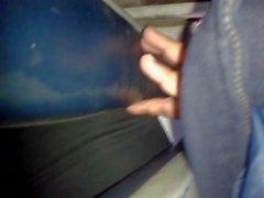 metiendo dedos casada bus 3 (marido al lado)